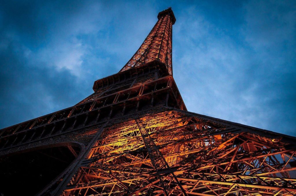 eiffel-tower-1526364_1920(1)